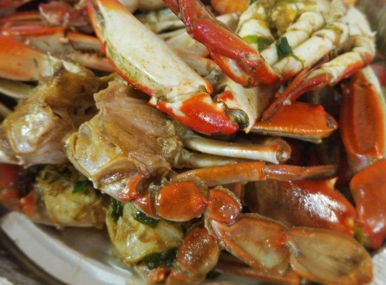 Crab in Curry, Garlic or Mallah Sauce
