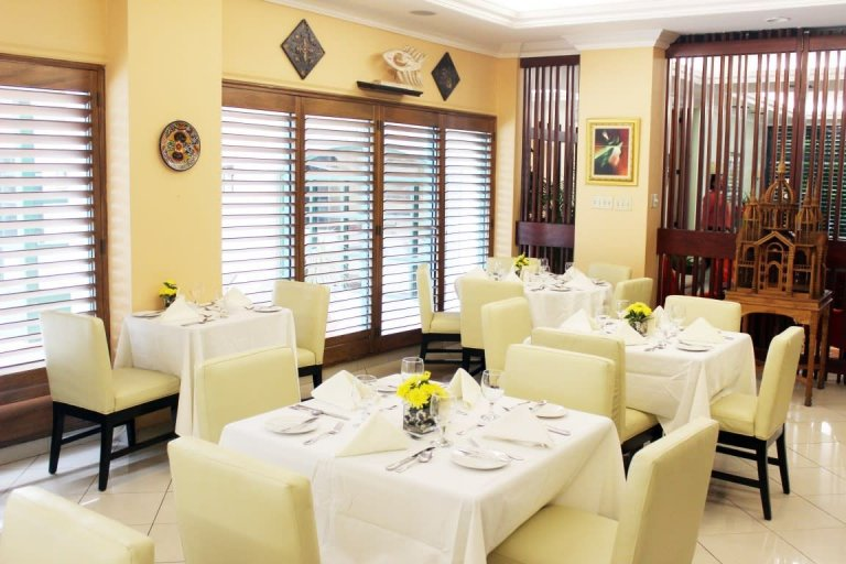 Alexander's Restaurant at The Courtleigh